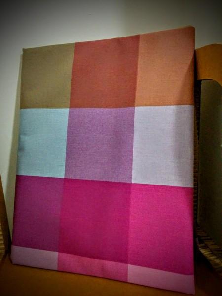 Parure copripiumino VALLESUSA modello WILSON ombra + sacco federa disegno patchwork sulle tonalità del lilla - viola. Tessuto madapolam dipuro cotone 100% 58 fili al cm2 misura sacco 1 posto cm 155X205