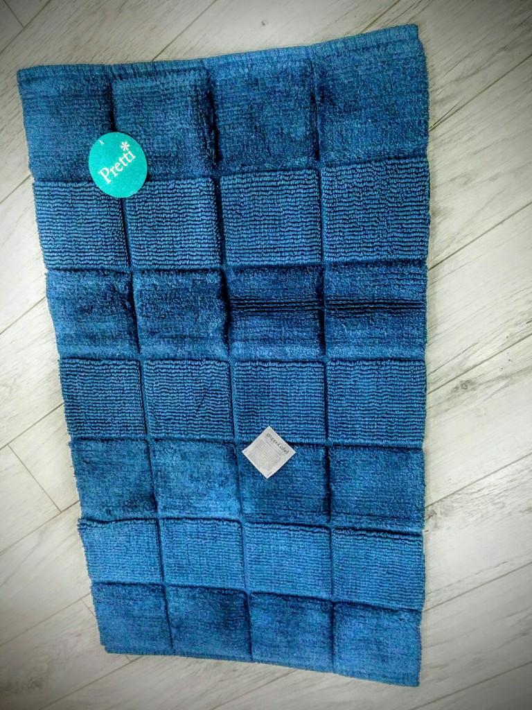 Tappeto bagno in spugna color azzurro fantasia a quadrettoni